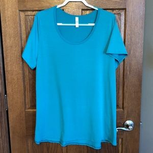 Lularoe Turquoise Classic Tee NWOT